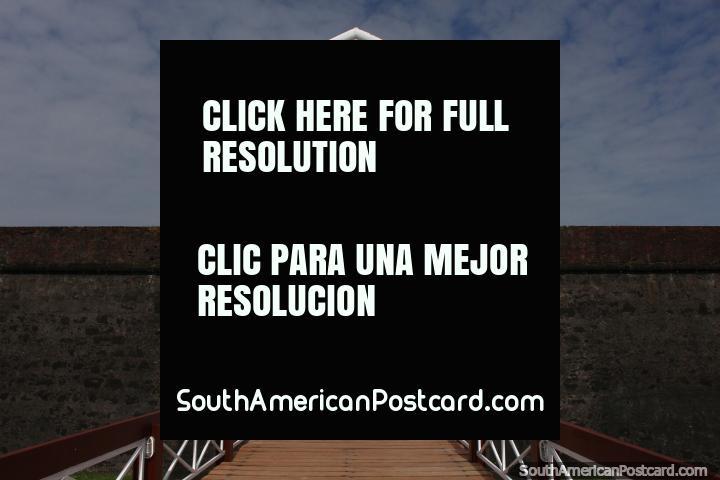 A entrada arcada no forte em Macapa - Fortaleza de Sao Jose. (720x480px). Brasil, América do Sul.