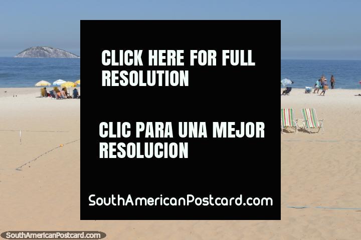 Ipanema Beach, one of the great beaches to enjoy in Rio de Janeiro. (720x480px). Brazil, South America.