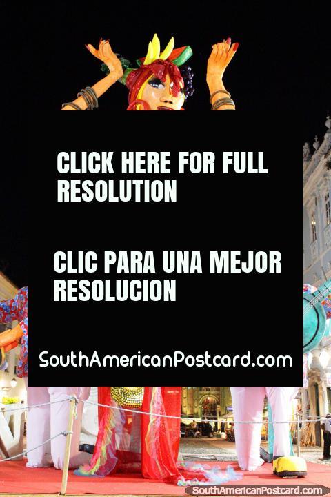 O Salvador prepara-se para o carnaval! (480x720px). Brasil, América do Sul.