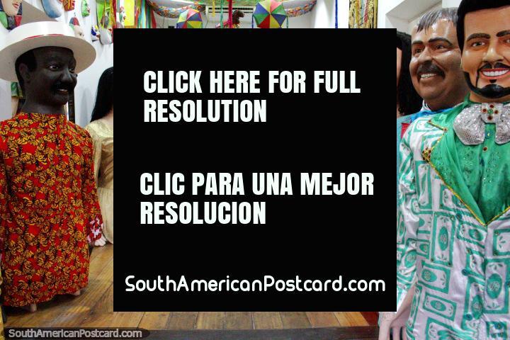 Quarto de Bonecos, carateres usados para carnavais e divertimento em Olinda. (720x480px). Brasil, América do Sul.