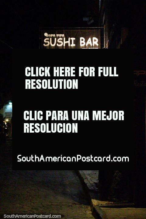 Japa Pipa Sushi Bar en Pipa, sólo uno de los muchos restaurantes en el pueblo. (480x720px). Brazil, Sudamerica.