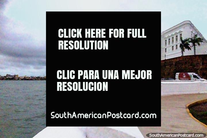 Palácio dos Leões com visões sobre o mar em São Luis. (720x480px). Brasil, América do Sul.