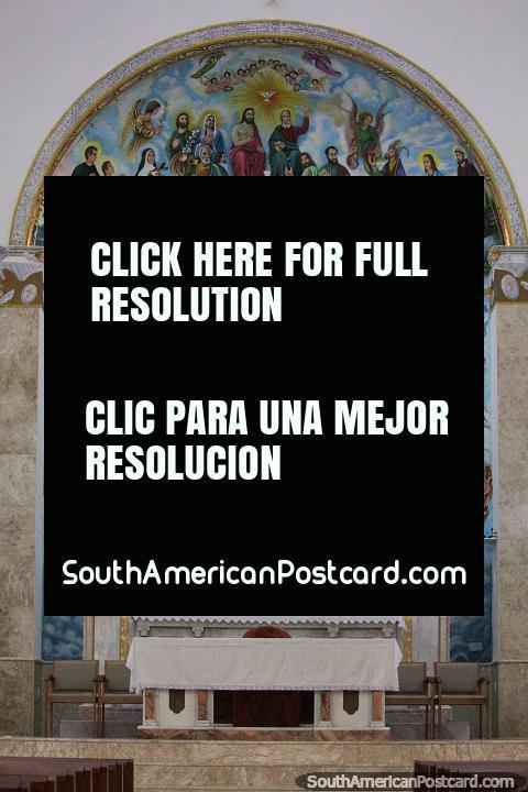 Enorme pintura inclusive voo de anjos, o altar na catedral em Porto Velho. (480x720px). Brasil, América do Sul.