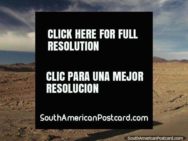 Barren and bleak terrain north of Calama. (640x480px). Chile, South America.