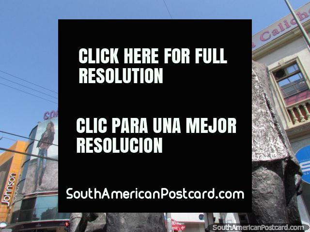 'Alma del Pueblo', uma escultura de figuras altas no centro de Antofagasta. (640x480px). Chile, América do Sul.