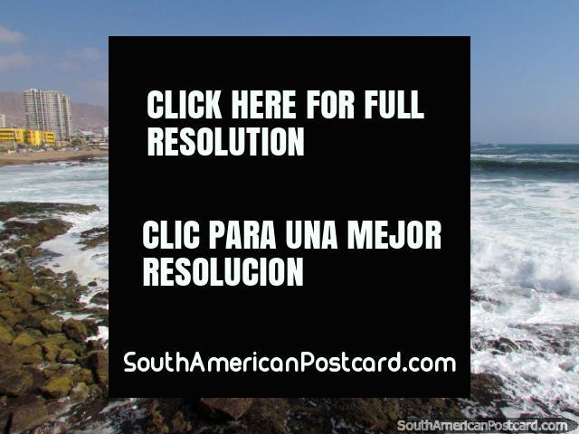 La playa, mar, costa y la ciudad de Antofagasta. (640x480px). Chile, Sudamerica.