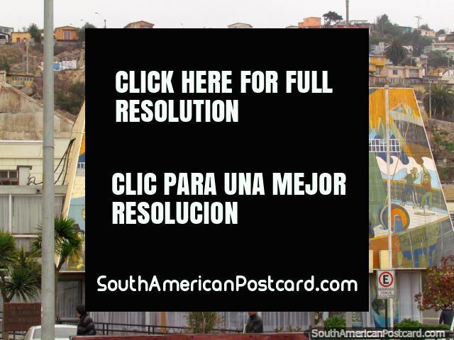 Casa de la Cultura, the house of culture in Coquimbo, mural. (640x480px). Chile, South America.