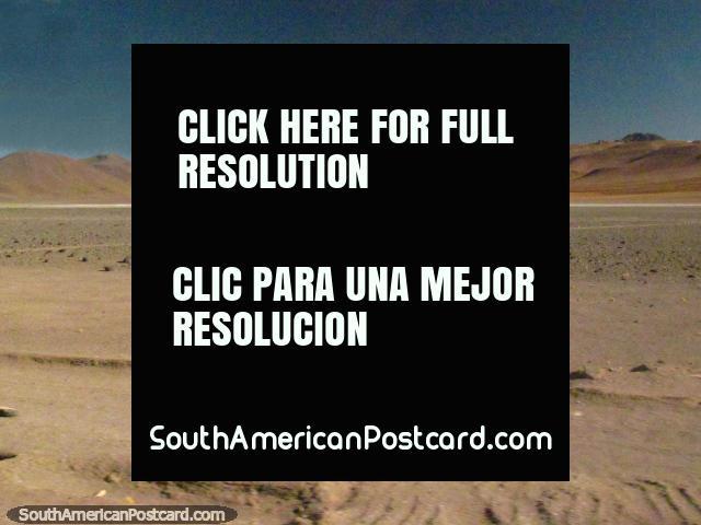 Pisos de piedras y las Montañas rocosas en el viaje entre Paso de Jama y San Pedro. (640x480px). Chile, Sudamerica.