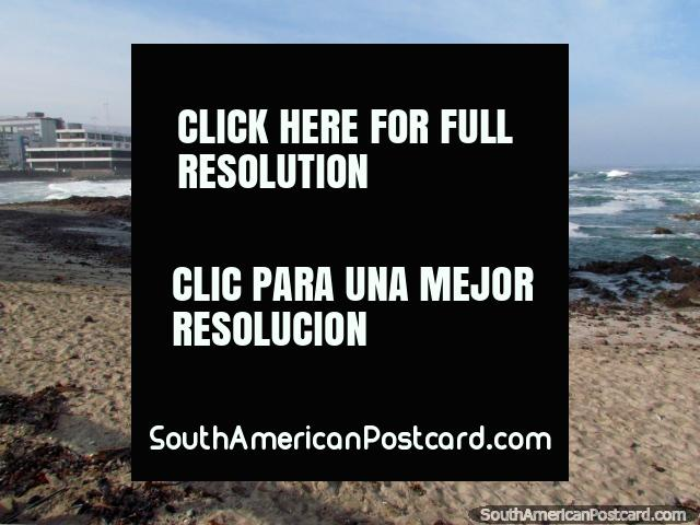Beach in Iquique, Playa Bellavista with rough surf. (640x480px). Chile, South America.