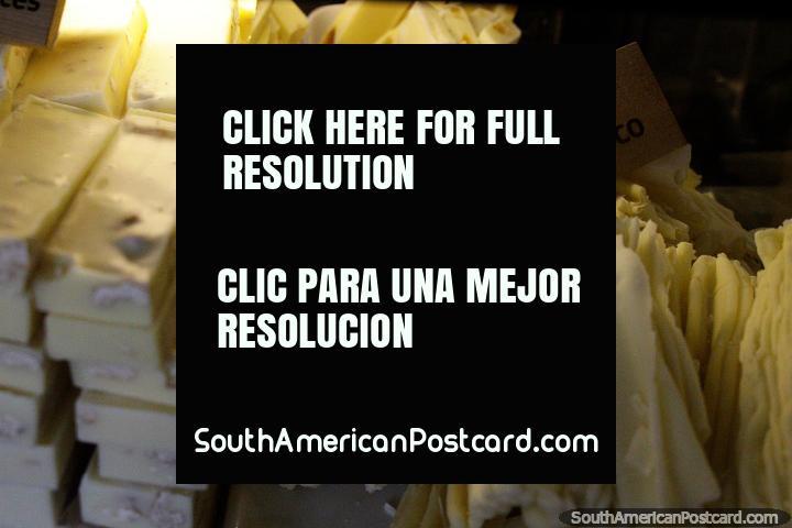 Chocolate Rama Blanco, white flake chocolate, very tempting, Cafe de la P, Pucon. (720x480px). Chile, South America.
