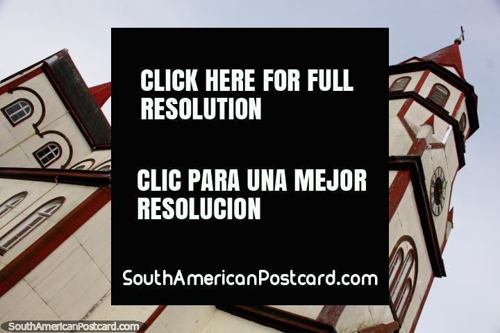 ¡La iglesia Románica / Barroca en Puerto Varas es un monumento famoso! (720x480px). Chile, Sudamerica.