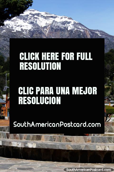 Water wheel in the Plaza de Armas in Futaleufu, the main square. (480x720px). Chile, South America.