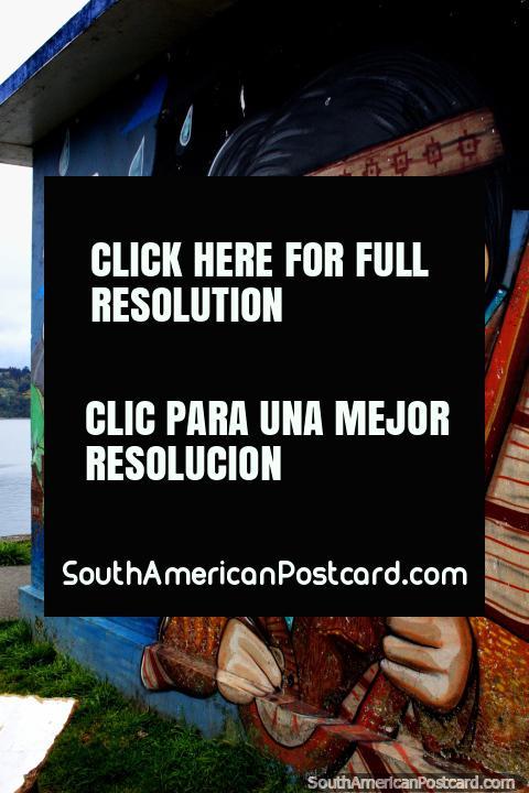Mujer indígena con diadema y arete, arte callejero en Castro. (480x720px). Chile, Sudamerica.