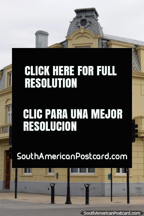 Casa de Huespedes del Gral. Bartolome Blanche Espejo, European architecture in Punta Arenas. (480x720px). Chile, South America.