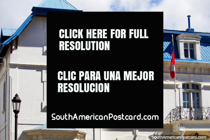 Residencia del ganadero Francés Alfonso Roux, circuito turístico de edificios en Punta Arenas. (720x480px). Chile, Sudamerica.