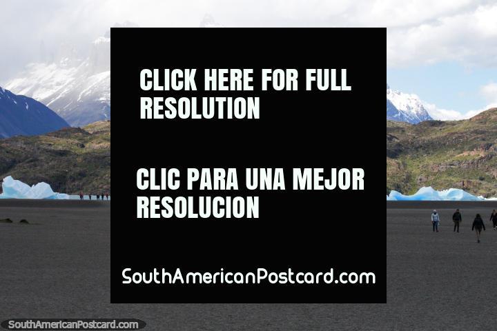 La gran playa abierta en Glacier Grey en el Parque Nacional Torres del Paine. (720x480px). Chile, Sudamerica.