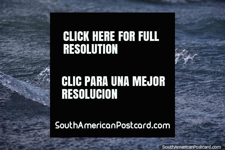 Élitros de correnteza de gelo para a praia em Geleira Cinza na Patagônia do sul, Torres do Paine. (720x480px). Chile, América do Sul.