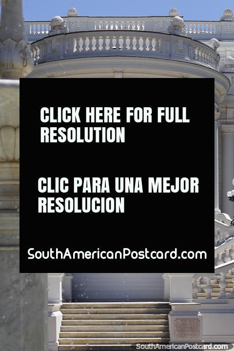 Palacio Rioja, hermosa mansión construida en 1907 que alberga el Museo de Artes Decorativas de Viña del Mar. (480x720px). Chile, Sudamerica.