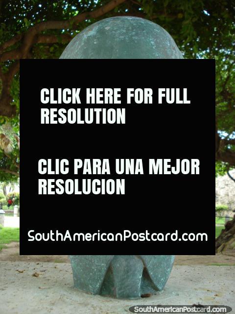 Cabeça de bronze de Carlos Lleras Restrepo (1908-1994), ex-presidente, Cartagena. (480x640px). Colômbia, América do Sul.