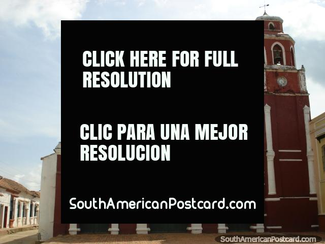 Church Iglesia San Francisco in Mompos, red-brown color. (640x480px). Colombia, South America.