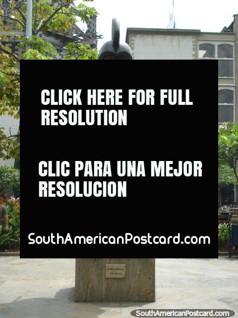 Soldado Romano bronze work at Plaza Botero Medellin. (480x640px). Colombia, South America.