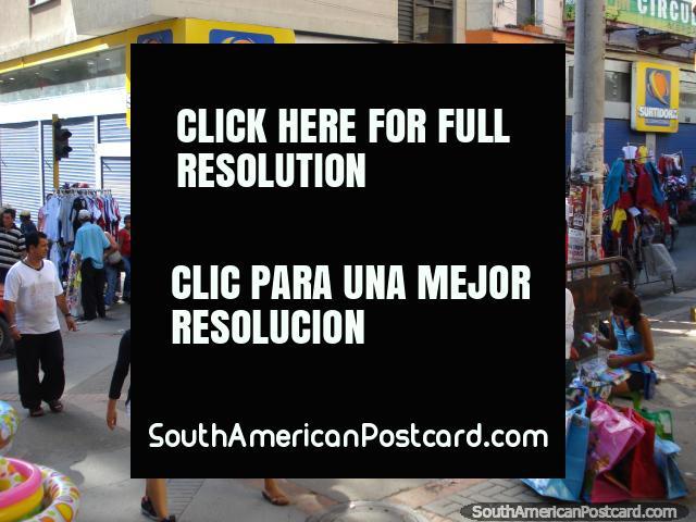 Telas para venta en los mercados de Bucaramanga. (640x480px). Colombia, Sudamerica.