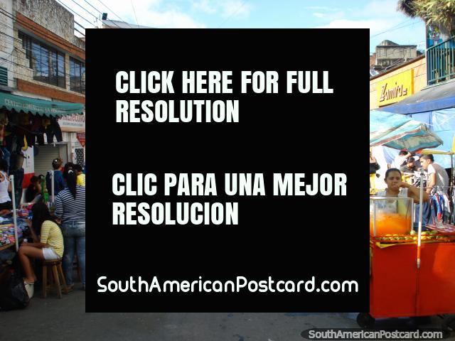 Mercados e rua em Bucaramanga. (640x480px). Colômbia, América do Sul.