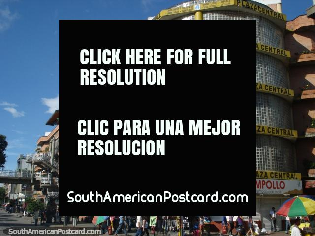 Praça Central em Bucaramanga, compras e mais compras. (640x480px). Colômbia, América do Sul.