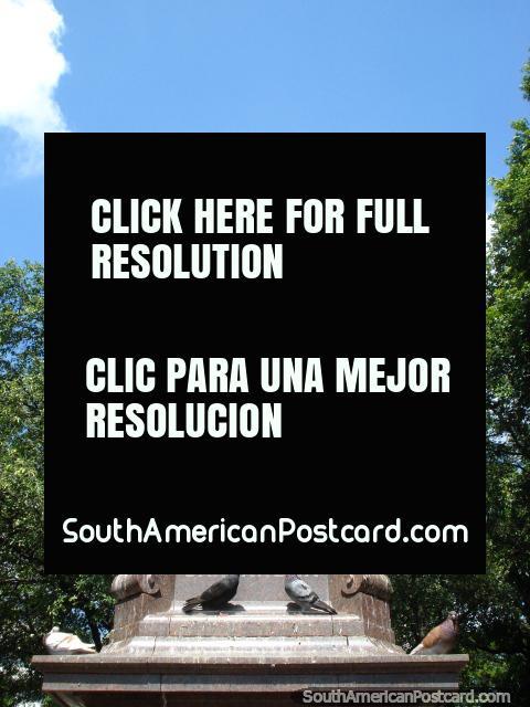Francisco de Paula Santander (1792-1840) estatua en Cucuta, un líder político y militar. (480x640px). Colombia, Sudamerica.