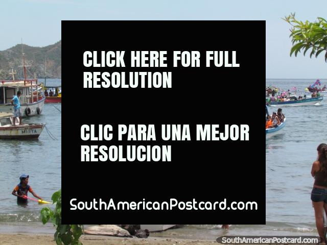 Balloons on boats, festival in Taganga, Fiesta del Carmen. (640x480px). Colombia, South America.