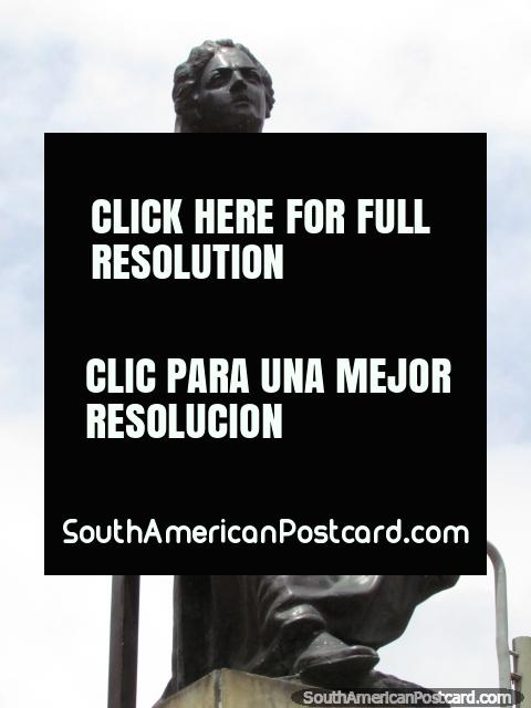 Estatua de Policarpa Salavarrieta Rios en Bogotá, (1795-1817), conocido como La Pola, ejecutado para espionaje. (480x640px). Colombia, Sudamerica.