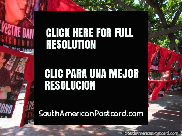 Camisetas de vallenato rey Silvestre Dangond a la venta en todas las esquinas en Valledupar antes del concierto. (640x480px). Colombia, Sudamerica.