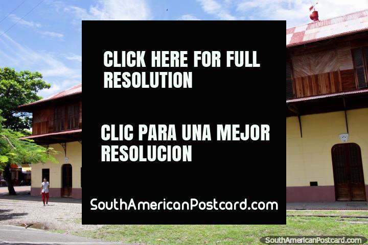 Velha estação de trem e centro cultural em Girardot. (720x480px). Colômbia, América do Sul.
