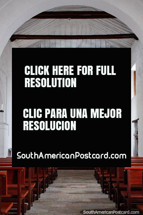 La Iglesia de La Merced (1536), uno de los edificios más antiguos de Cali, el interior de oro. (480x720px). Colombia, Sudamerica.