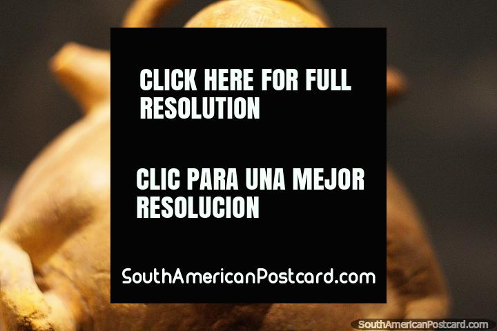 Bela cerâmica, pré-relativa-aos-EUA, muitas estatuetas de terracota impressionantes da cultura de Tumaco, Museu Arqueológico de La Merced, Cali. (720x480px). Colômbia, América do Sul.