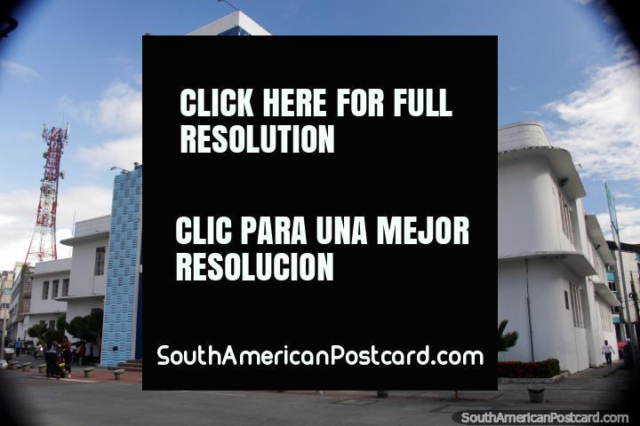 Edifïcio principal do porto em Buenaventura - Dian. (720x480px). Colômbia, América do Sul.