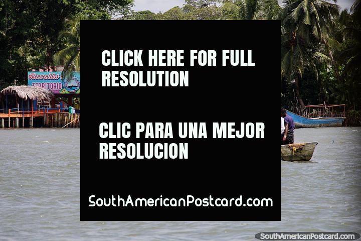 Hotel La Bocana da costa de Buenaventura tem um consórcio, cabanas, quartos e restaurante. (720x480px). Colômbia, América do Sul.