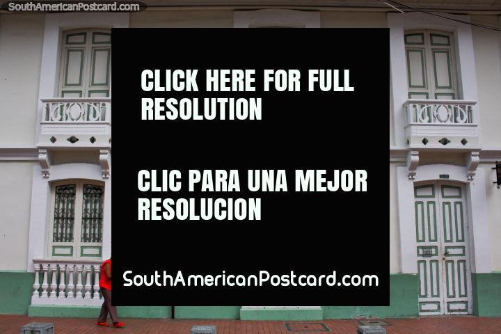 Senhor do Museu de Milagres em Buga (Museu do Senor dos Milagros), Casa de Evangelizacion. (720x480px). Colômbia, América do Sul.