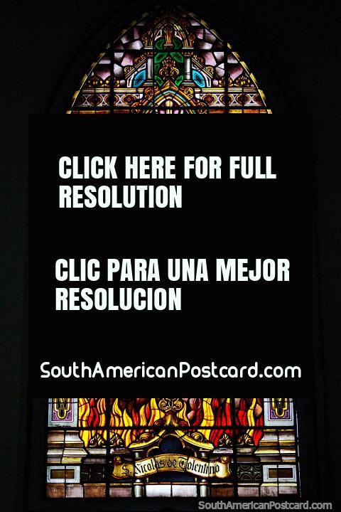 San Nicolás de Tolentino (c.1246-1305), vitral de Parroquia Los Agustinos, Manizales. (480x720px). Colombia, Sudamerica.