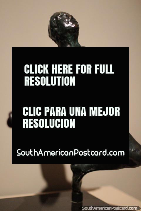 Iris, 1972, de Auguste Rodin (Francia), vaciado en bronce, Museo de Antioquia, Medellín. (480x720px). Colombia, Sudamerica.