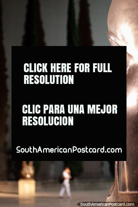 The Head (Cabeza) 1999, Plaza Botero, park of bronze sculptures in Medellin. (480x720px). Colombia, South America.