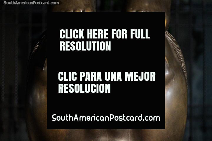 Pensamento (Pensamiento), 1992, parte de fundo de trabalho de bronze, Praça Botero, Medellïn. (720x480px). Colômbia, América do Sul.