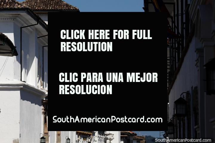 As ruas de Popayan alinhadas com edifícios brancos, a cidade branca. (720x480px). Colômbia, América do Sul.