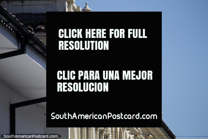 Detalhes da arquitetura ao redor de Popayan, decoração de telhados intrincada. (720x480px). Colômbia, América do Sul.