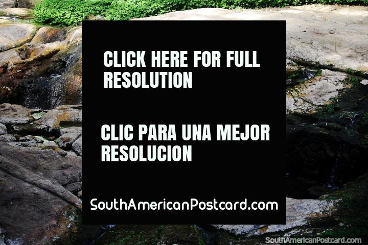 Fuente del Lavapatas, descubierta en 1937, utilizada para ceremonias religiosas y baños, Parque Arqueológico San Agustín. (720x480px). Colombia, Sudamerica.