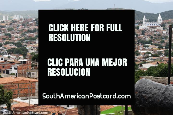 Cucuta to Venezuela, Colombia - Border Crossing To San Antonio. Cucuta on the border with Venezuela is a busy city with a few sights to see including great views from the hills.