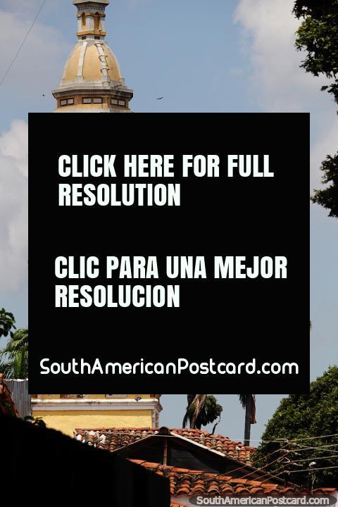 Tower of San Laureano Church (1734) in Bucaramanga at Garcia Rovira Park. (480x720px). Colombia, South America.