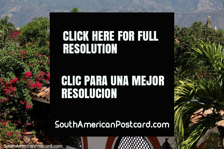 Santa Fe de Antioquia, Colombia - A Day Trip Or Overnight Stay From Medellin. A visit to Santa Fe de Antioquia makes a great day trip or overnight stay from Medellin. Relax with pleasant surroundings and enjoy some time outside the big city!