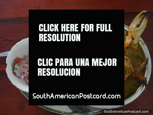 A sopa de caranguejo de um restaurante em Machala que servem este prato exclusivamente. (640x480px). Equador, América do Sul.