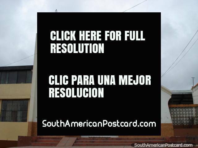 Igreja no caminho em Tulcan. (640x480px). Equador, América do Sul.